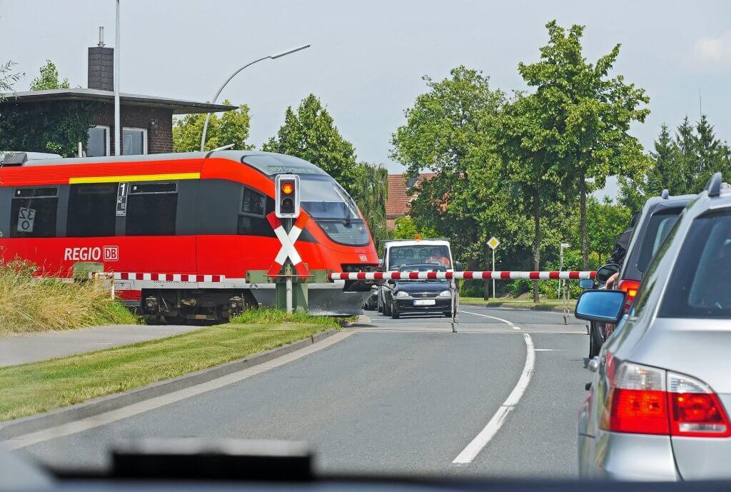 Bahnkundenverband fordert Entlastung der nichtbundeseigenen Bahnen beim Umbau von Bahnübergängen
