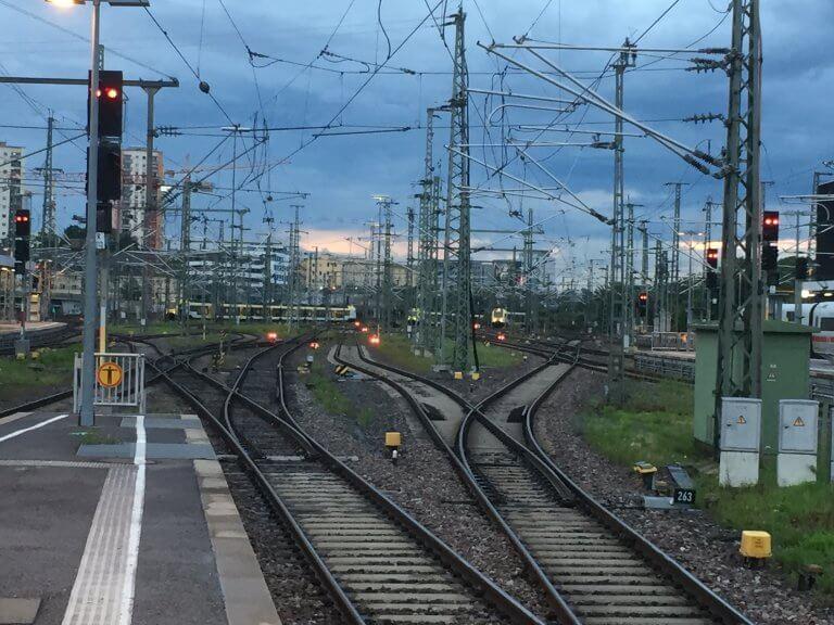 DGB zu Bahn-Verhandlungen: Belegschaft nicht spalten!